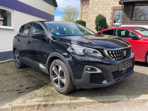 Peugeot 3008 Active 1.6 Blue HDI 120 in Warstein