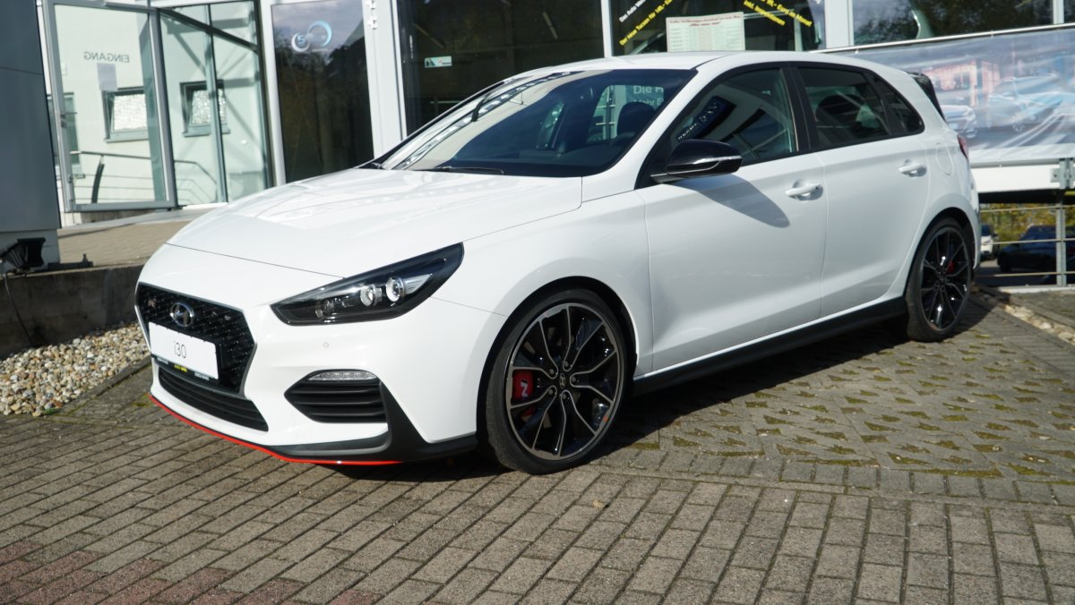 hyundai i30 n performance komfort navi auto weis gmbh. Black Bedroom Furniture Sets. Home Design Ideas