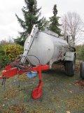 - Pumpenfaßwagen